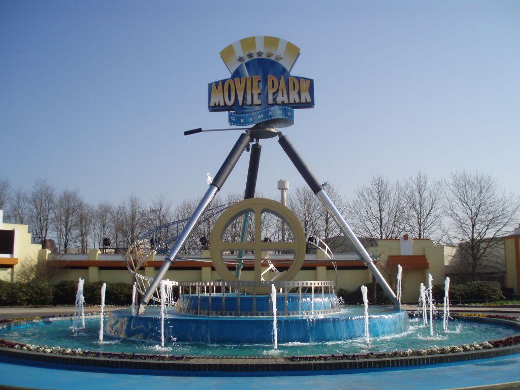 bild eingang moviepark zu movie park germany in bottrop. Black Bedroom Furniture Sets. Home Design Ideas