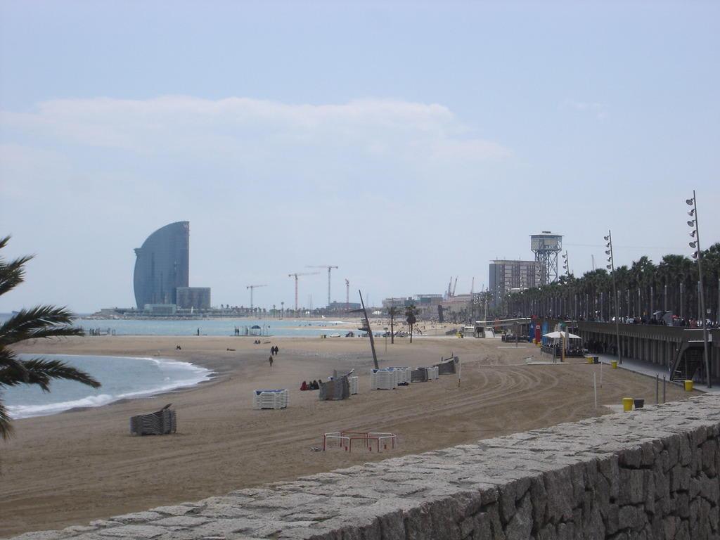 Bild Strand Von Barcelona Zu Strand Barcelona In Barcelona