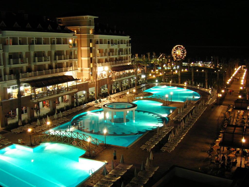 Bild aspendos beach nachtstimmung zu trendy aspendos for Trendy hotel