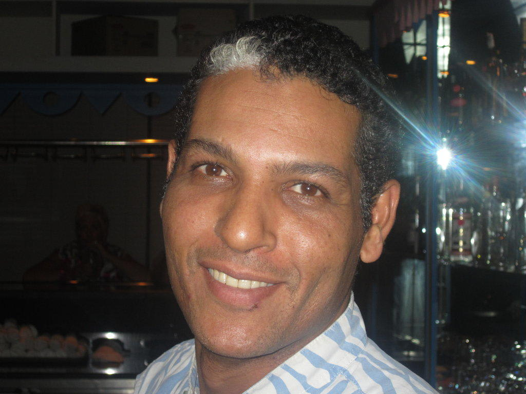 Tariq, Chef in der Disco Bilder Bar Hotel Reef Oasis Blue Bay - 1160566889