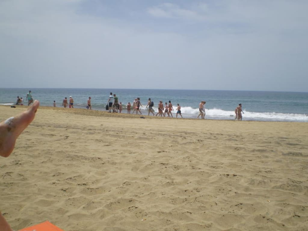bild die karawane am fkk strand zu strand playa del ingles in playa del ingles. Black Bedroom Furniture Sets. Home Design Ideas