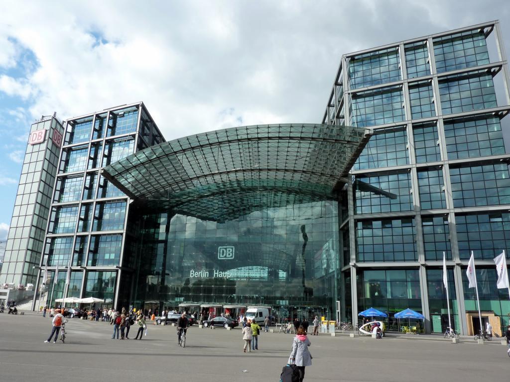 bild berliner hauptbahnhof zu berlin hauptbahnhof in berlin mitte. Black Bedroom Furniture Sets. Home Design Ideas
