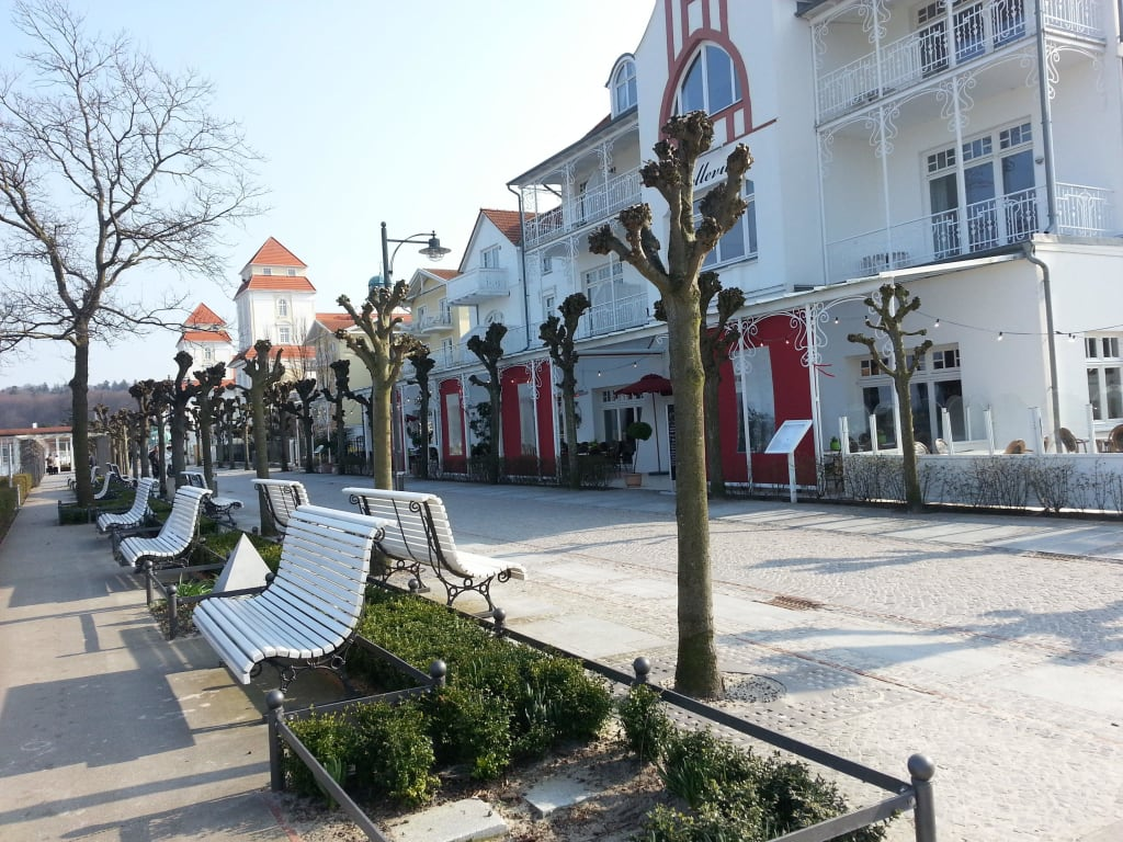 bild strandpromenade zu strandpromenade binz auf r gen. Black Bedroom Furniture Sets. Home Design Ideas