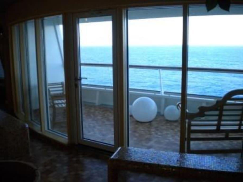 bild sauna balkon zu aidaluna in. Black Bedroom Furniture Sets. Home Design Ideas