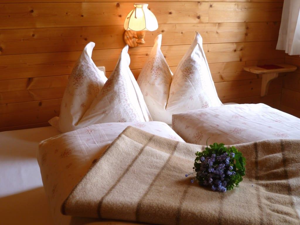 bild angenehme nachtruhe zu ferienhaus seppenalmh tte in heiligenblut. Black Bedroom Furniture Sets. Home Design Ideas