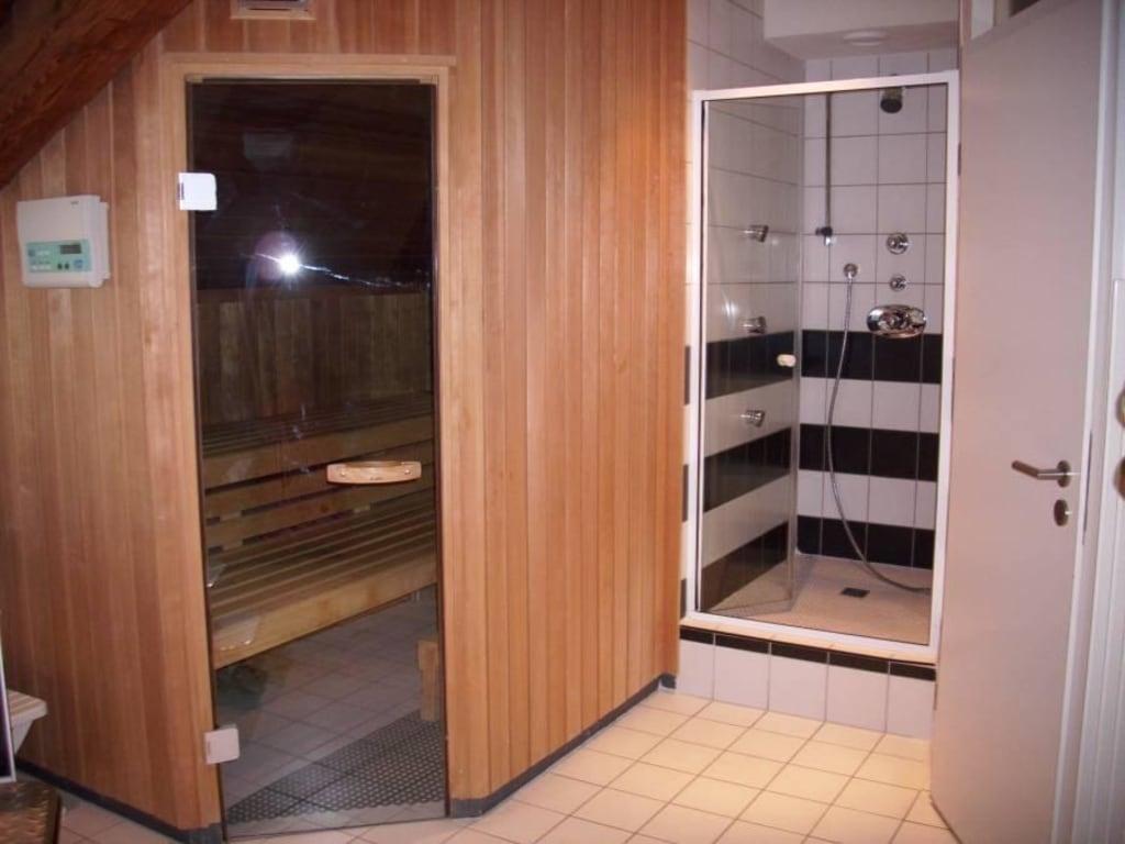 bild sauna dusche zu hotel pilgerhof in uhldingen. Black Bedroom Furniture Sets. Home Design Ideas