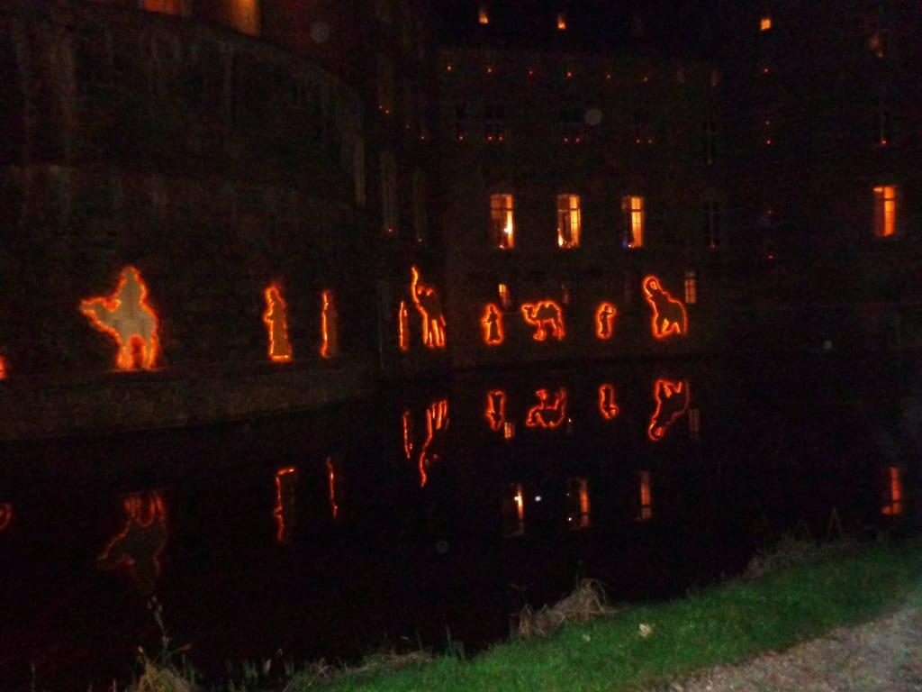 Weihnachtsmarkt Schloss Merode.Bild Schloss Am Abend Zu Weihnachtsmarkt Schloss Merode In Langerwehe