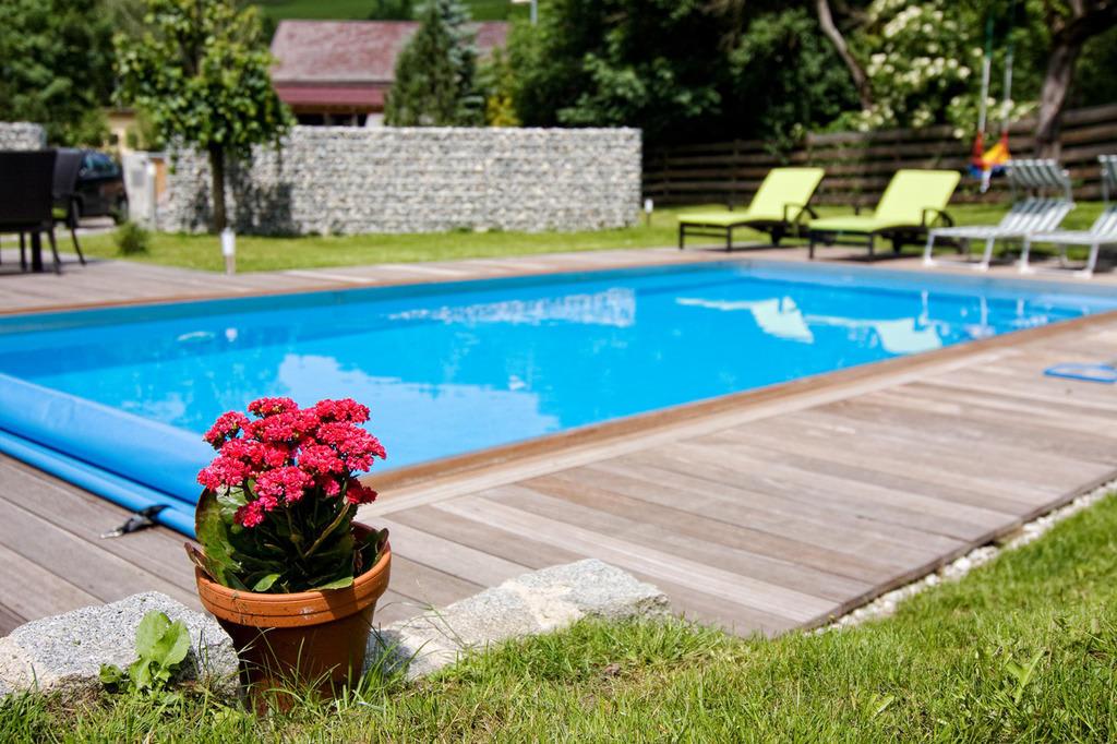 Bild pool mit garten zu ferienwohnung mariazell in mariazell for Garten pool mit gegenstromanlage