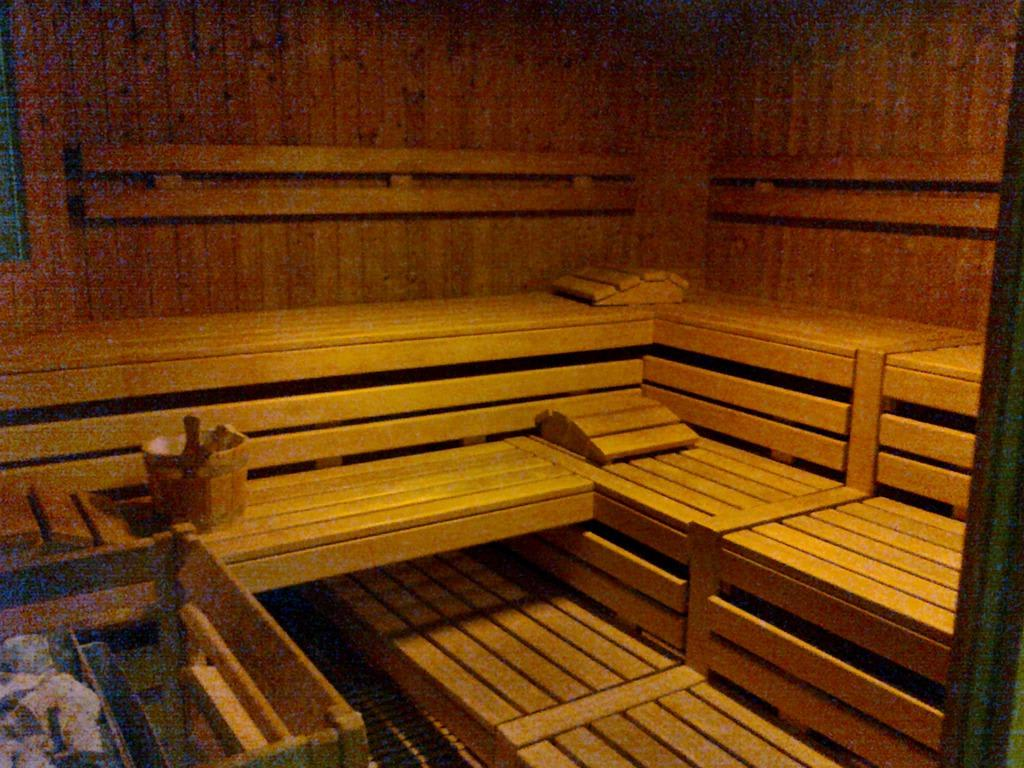 bild sauna von innen zu park inn by radisson n rnberg in n rnberg. Black Bedroom Furniture Sets. Home Design Ideas