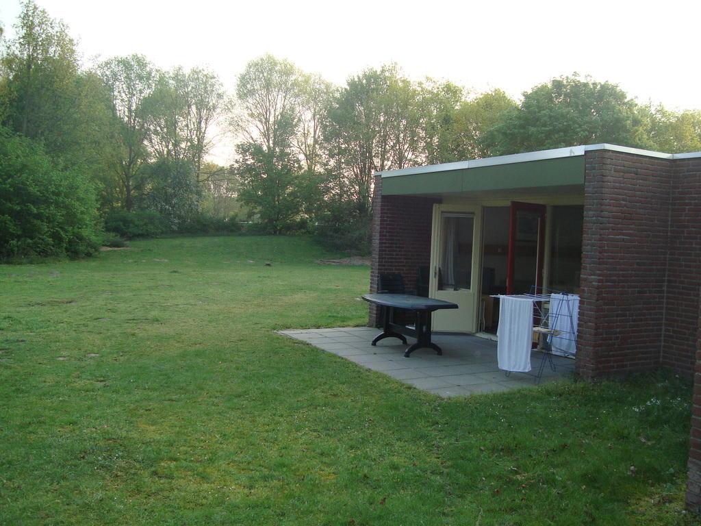 bild haus von hinten mit terrasse zu roompot vakanties klein vink in arcen. Black Bedroom Furniture Sets. Home Design Ideas