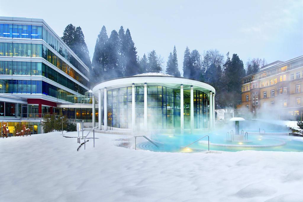 Bild Aussenbecken Im Winter Zu Caracalla Therme In Baden Baden