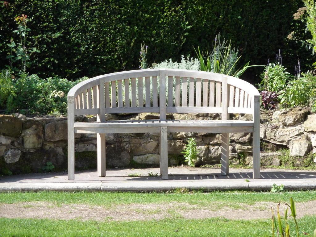 bild bank im italienischen garten zu hever castle in edenbridge. Black Bedroom Furniture Sets. Home Design Ideas