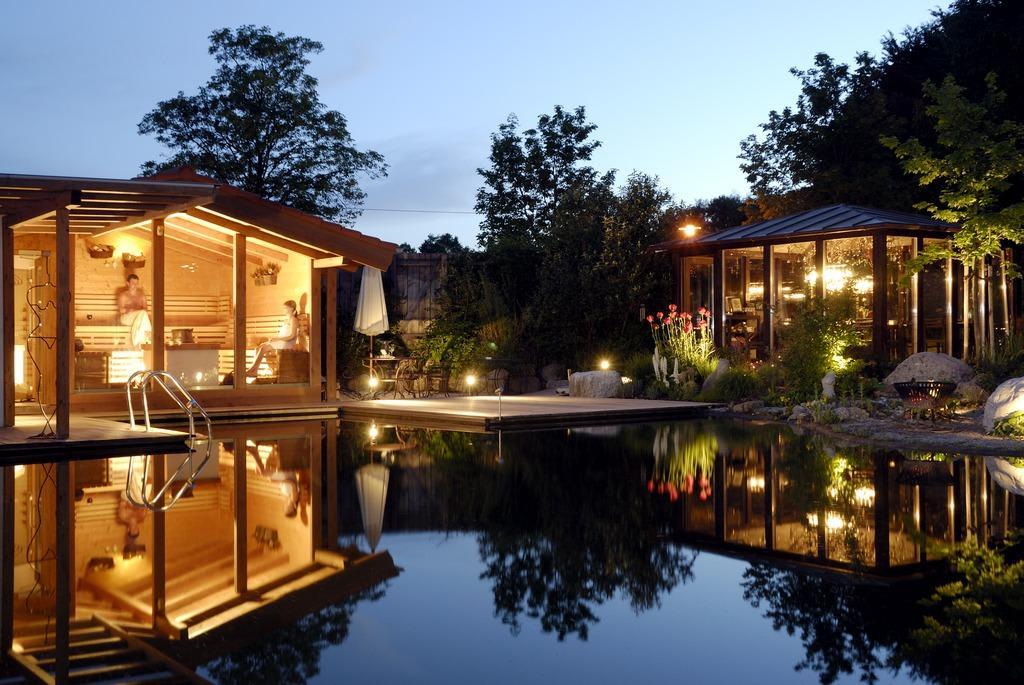 bild wellnessgarten waging zu baumgartner apartments in. Black Bedroom Furniture Sets. Home Design Ideas