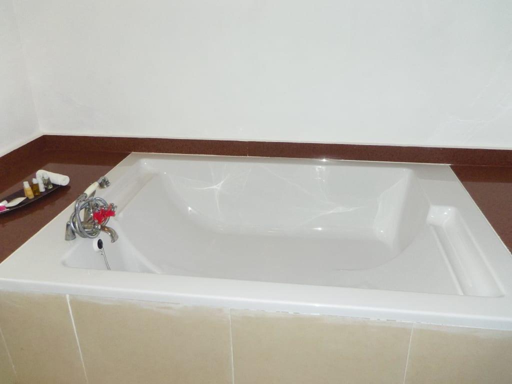 bild doppel badewanne zu royal zanzibar beach resort in. Black Bedroom Furniture Sets. Home Design Ideas