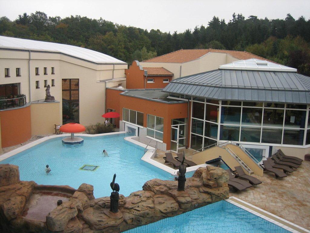 bild aussenbereich zu b der park hotel sieben welten therme spa resort in fulda. Black Bedroom Furniture Sets. Home Design Ideas