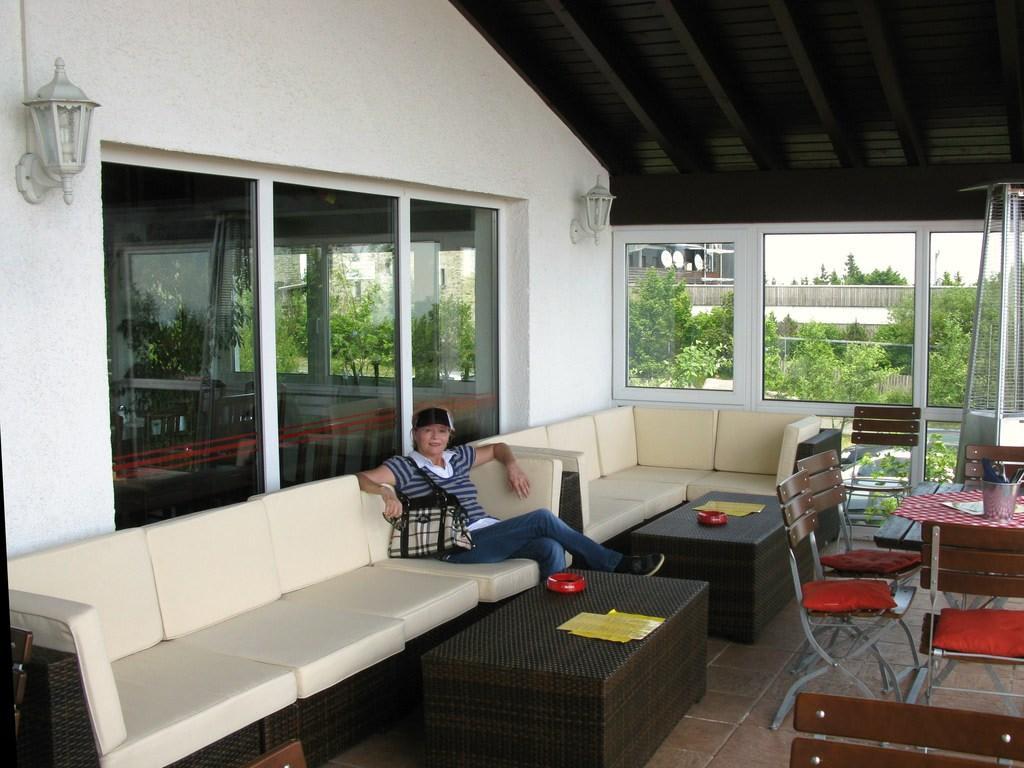 Bild Die Lounge Ecke Auf Der Terrasse Zu Feldberghof In Schmitten