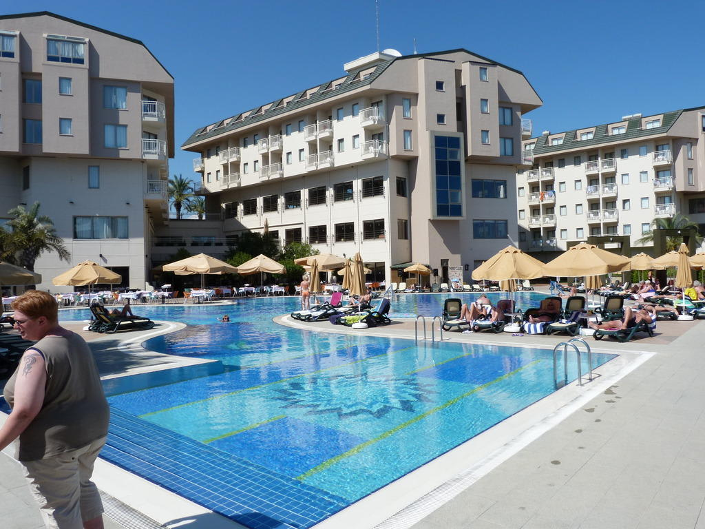 Bild quothauptpool novum gardenquot zu hotel novum garden side for Katzennetz balkon mit novum garden hotel
