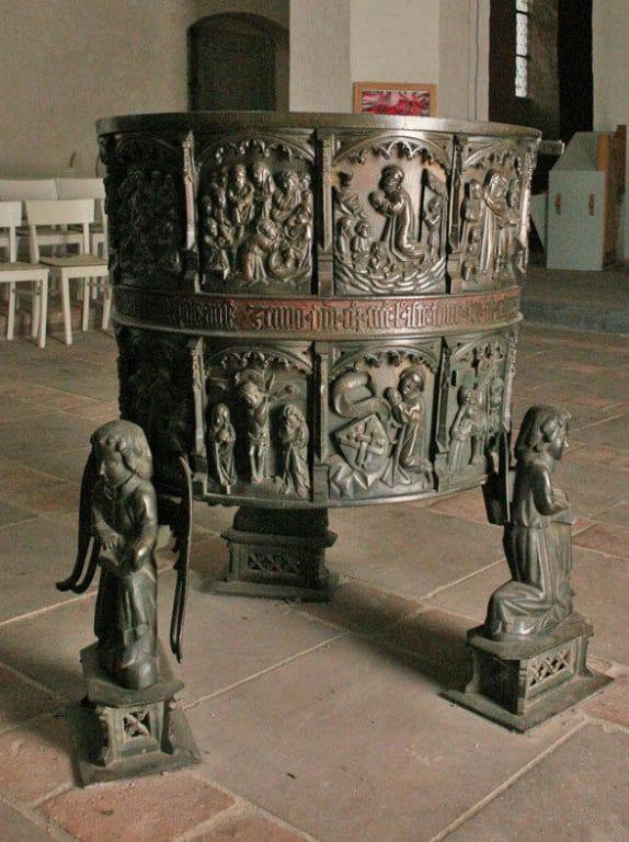 Taufbecken Bilder Tempel/Kirche/Grabmal Kirche St. Jakob und St. Dionysius