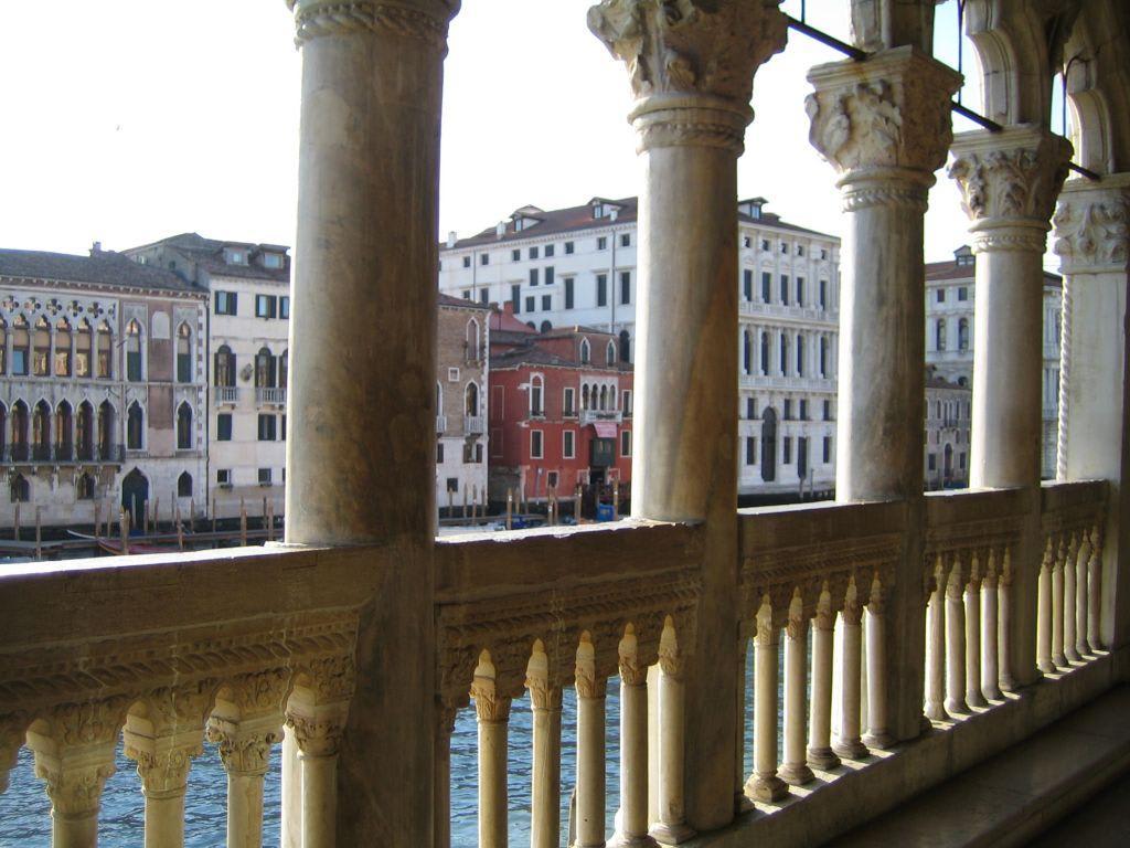 Loggia Bilder bild loggia blick zu palazzo ca d oro in venedig
