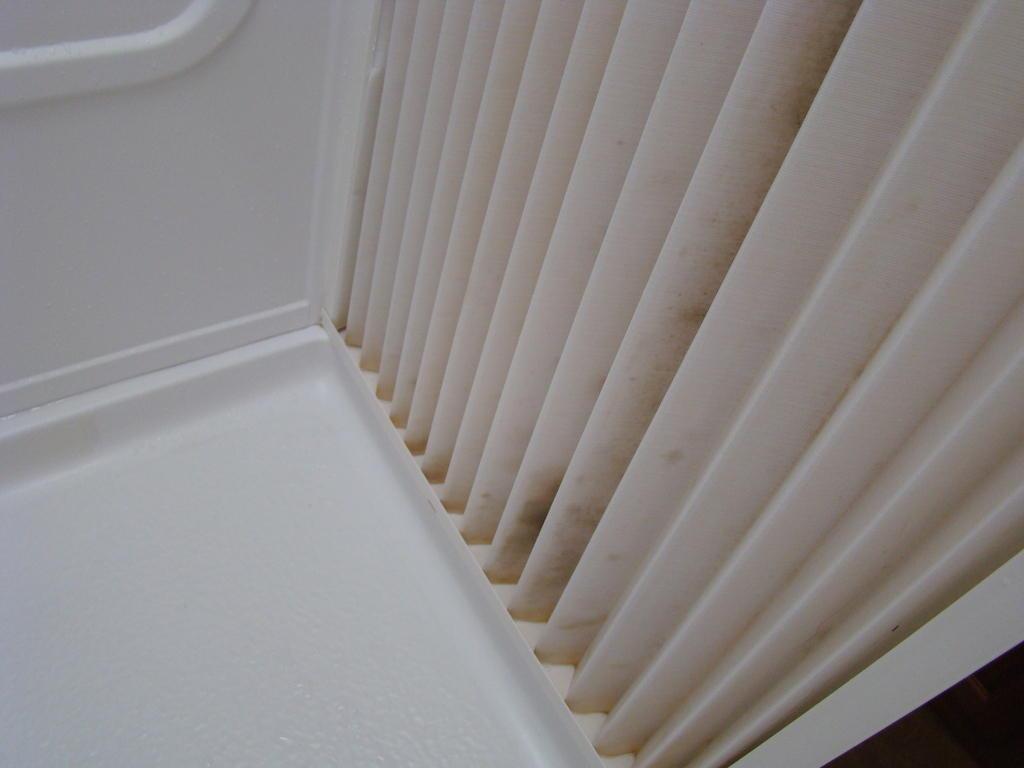 bild schimmel in der dusche zu wohnmobilvermietung. Black Bedroom Furniture Sets. Home Design Ideas