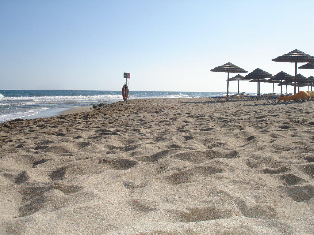Bild morgenstimmung am strand zu lyttos beach hotel in for Boutique hotel am strand
