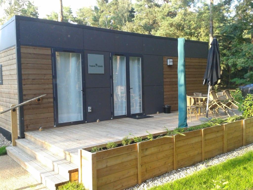 bild mobile homes zu tropical islands resort in krausnick. Black Bedroom Furniture Sets. Home Design Ideas
