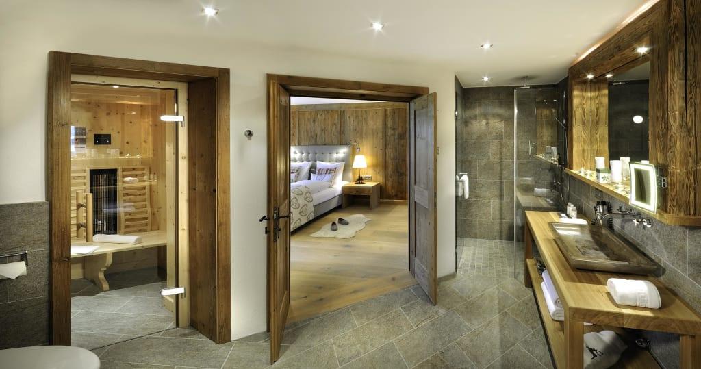 bild suite silberdistel bad mit infrarotkabine bsp zu hotel quellenhof in leutasch. Black Bedroom Furniture Sets. Home Design Ideas