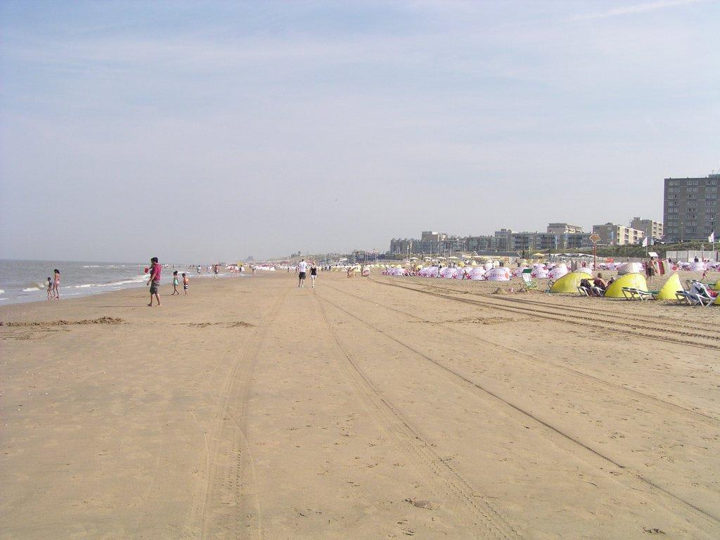 bild zandvoort strand zu strand zandvoort in zandvoort. Black Bedroom Furniture Sets. Home Design Ideas