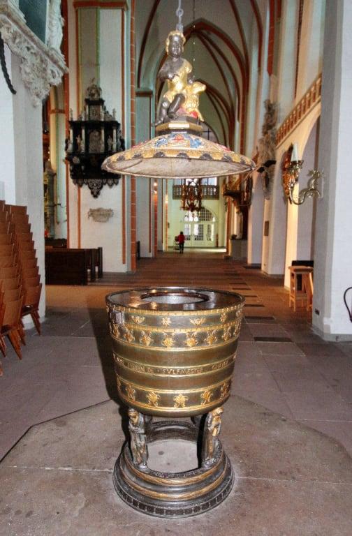 Taufbecken Bilder Tempel/Kirche/Grabmal St. Johannis Kirche