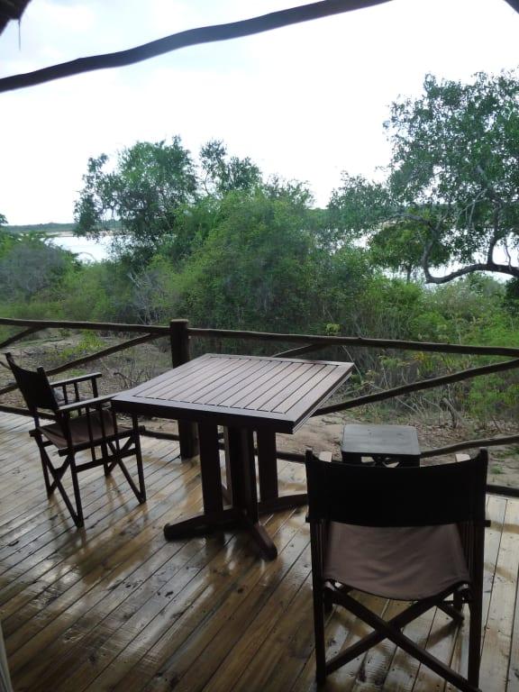 Zelt Terrasse : Bild u0026quot;Zelt Terrasse u0026quot; zu Hotel Rufiji River Camp in Selous