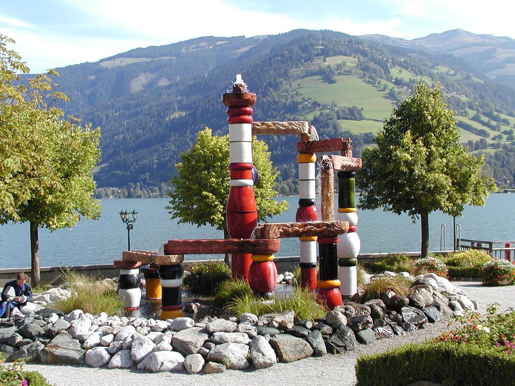 Grand Hotel Zell Am See Hundertwasserbrunnen