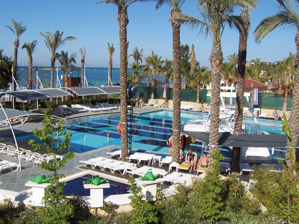 Swimming pool - Aska Hotel Buket Resort & Spa