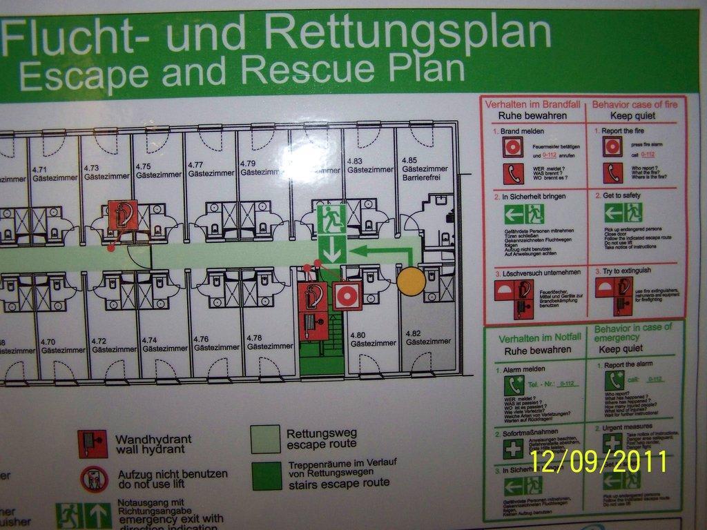 Bild fluchtplan zu motel one hamburg am michel in hamburg for Motel one zimmer grundriss