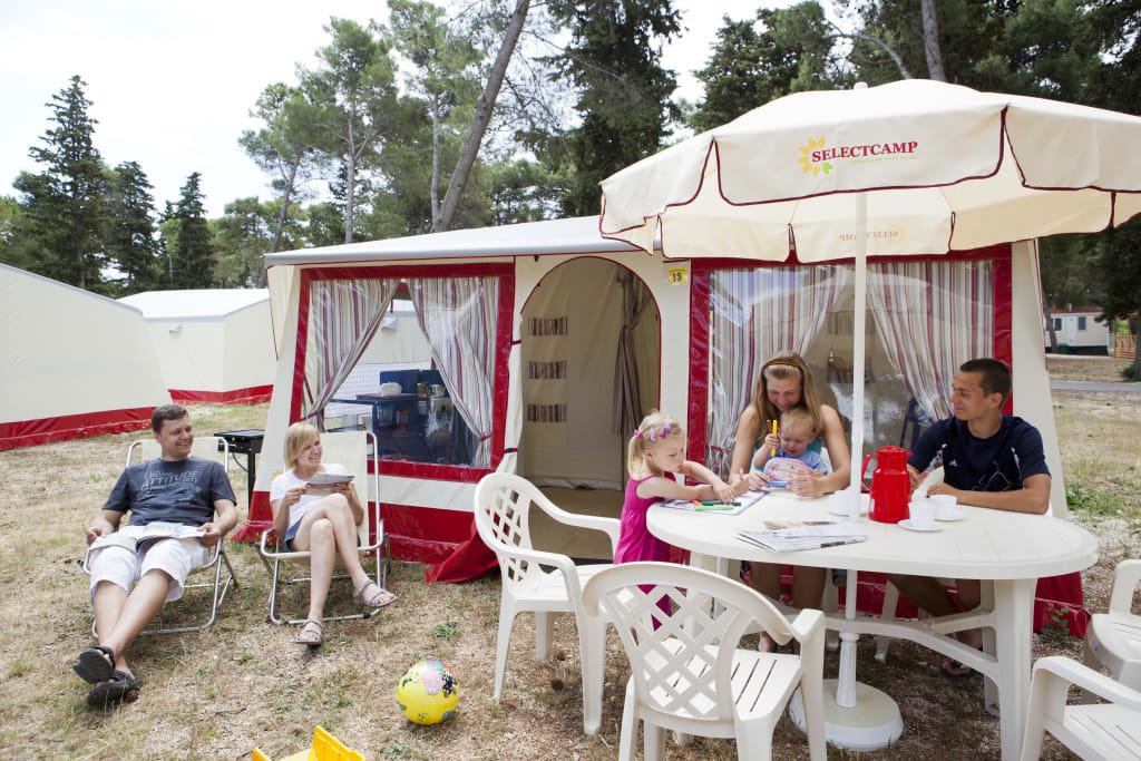 bild selectcamp luxus zelt auf camping zaton zu camping bungalows zaton in nin. Black Bedroom Furniture Sets. Home Design Ideas