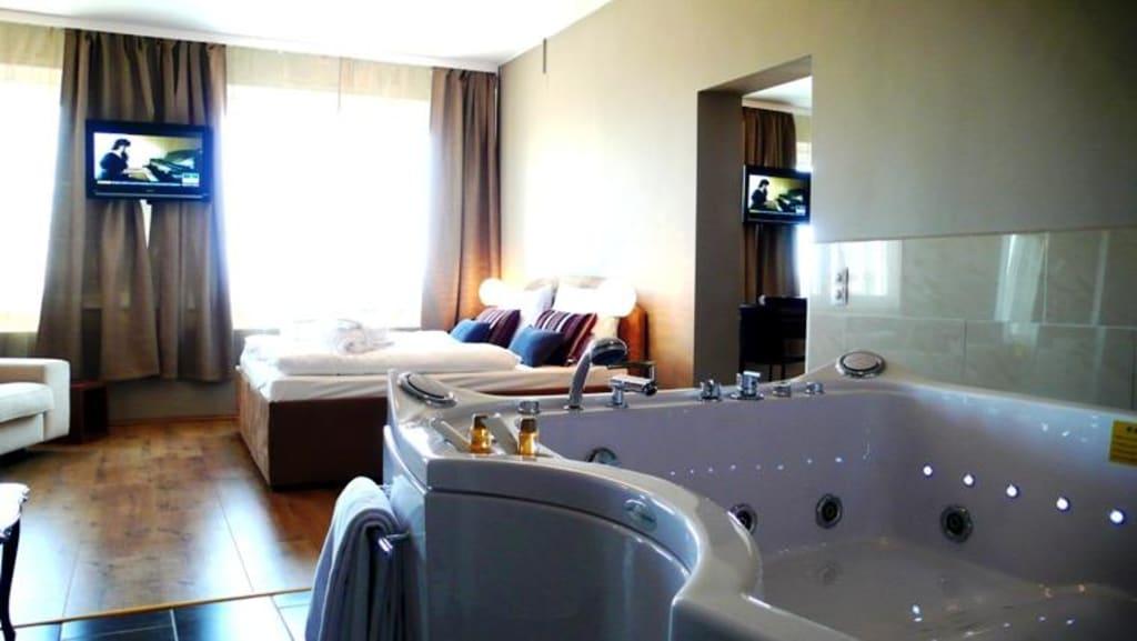 Bild jacuzzi suite zu bella vienna city hotel in wien for Hotel mit jacuzzi im zimmer nrw