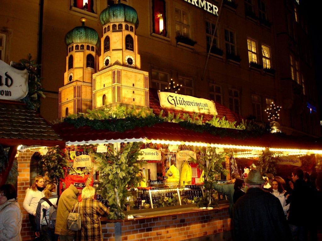 München Weihnachtsmarkt.Bild Weihnachtsmarkt München Zu Christkindlmarkt In München