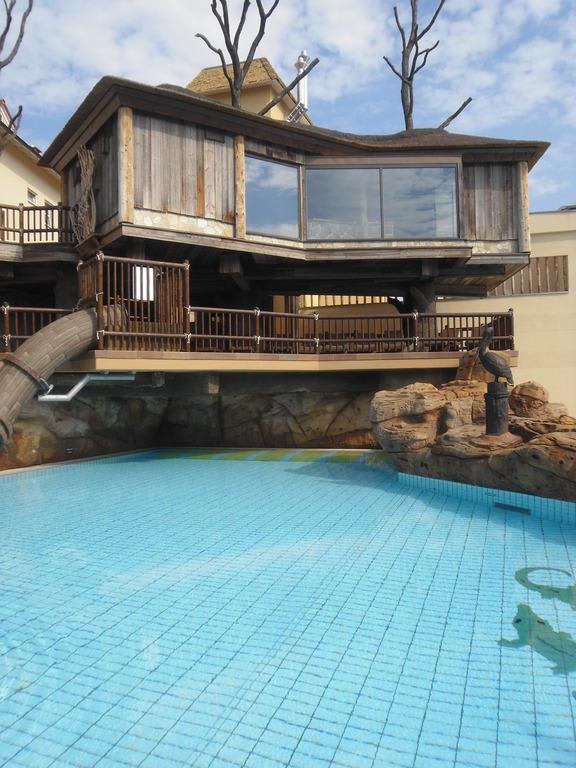 bild baumhaus sauna zu b der park hotel sieben welten therme spa resort in fulda. Black Bedroom Furniture Sets. Home Design Ideas