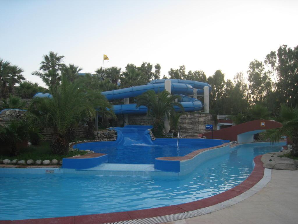 Bild Quot Crazy River Rutsche Quot Zu Otium Hotel Seven Seas In