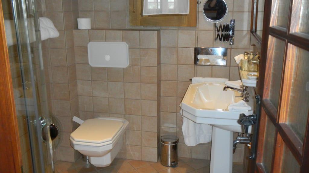 Badeinrichtung Bilder Zimmer Hotel U Raka