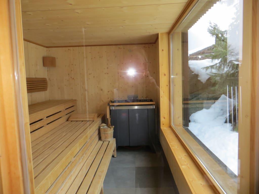 bild aussensauna zu hotel lucas in gaschurn. Black Bedroom Furniture Sets. Home Design Ideas