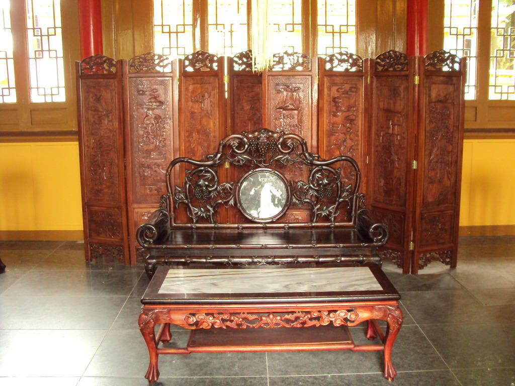 bild chinesische m bel zu chinesischer garten in z rich. Black Bedroom Furniture Sets. Home Design Ideas