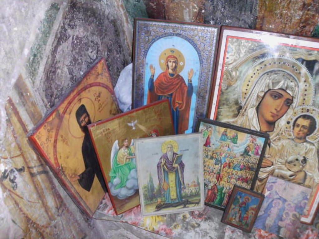 Ikonen Bilder Sonstige Sehenswürdigkeit Grotte der 318 Väter