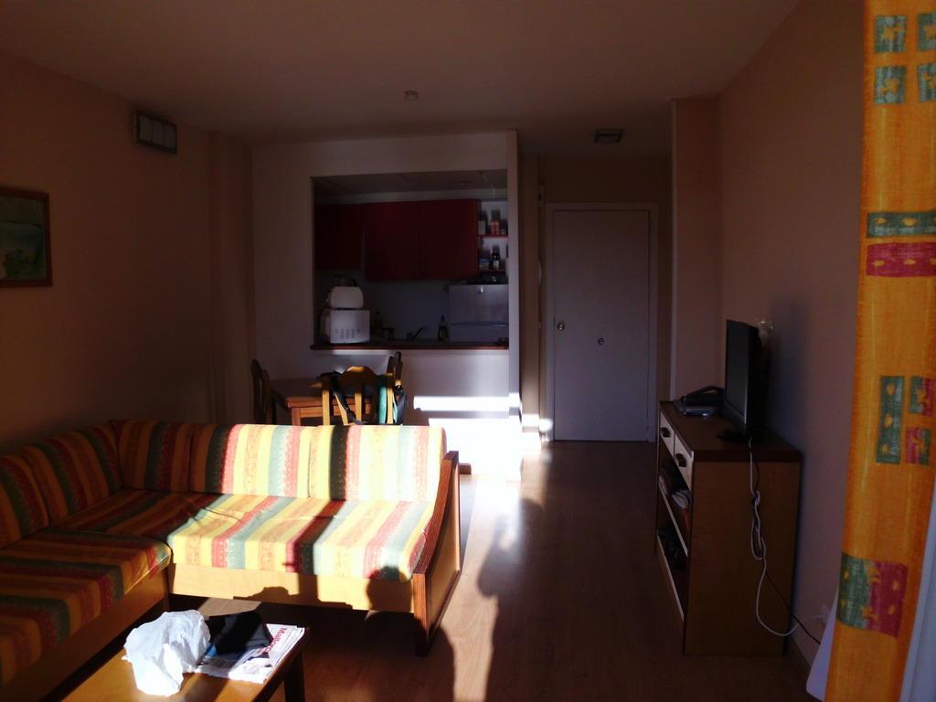 bild hauptraum im abendlicht zu hotel marthas in palmanova. Black Bedroom Furniture Sets. Home Design Ideas