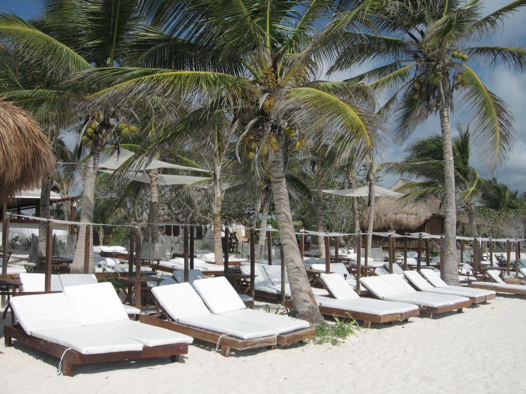 Anay Jose Beach Club