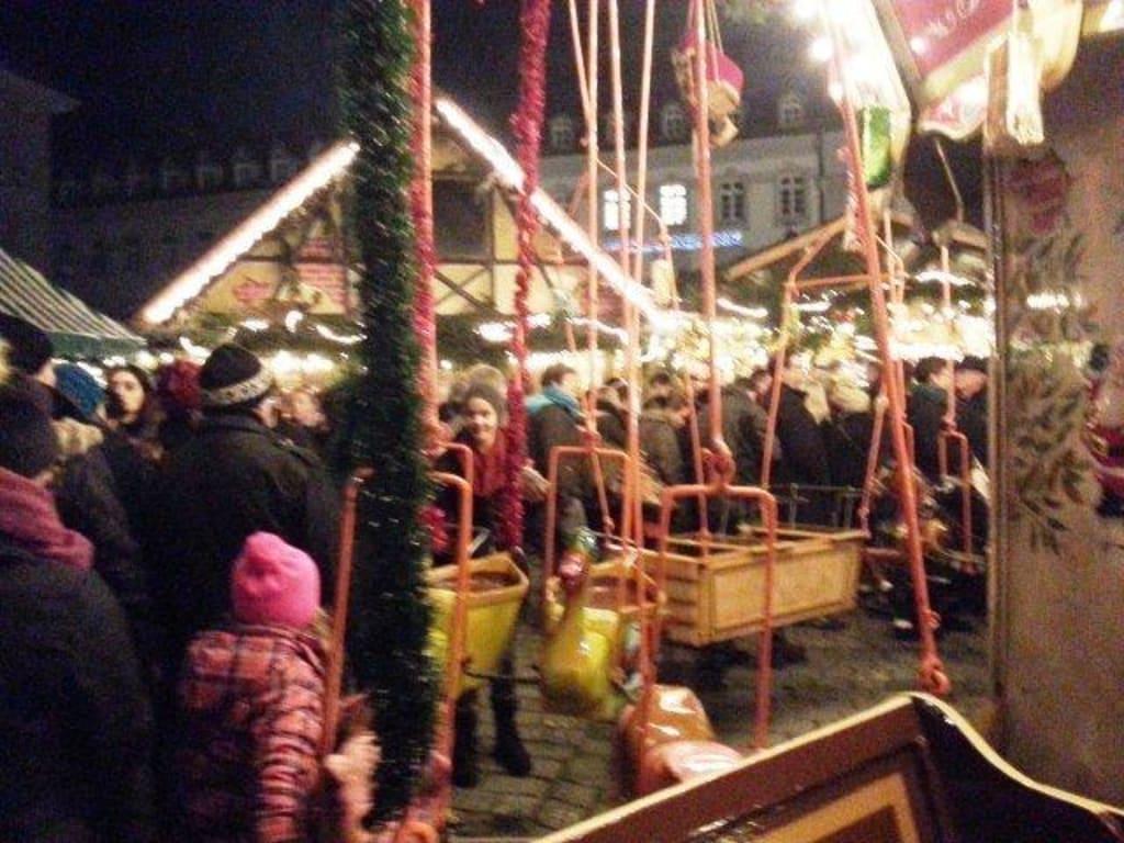 Weihnachtsmarkt Fürth.Bild Karussell Zu Weihnachtsmarkt Fürth In Fürth
