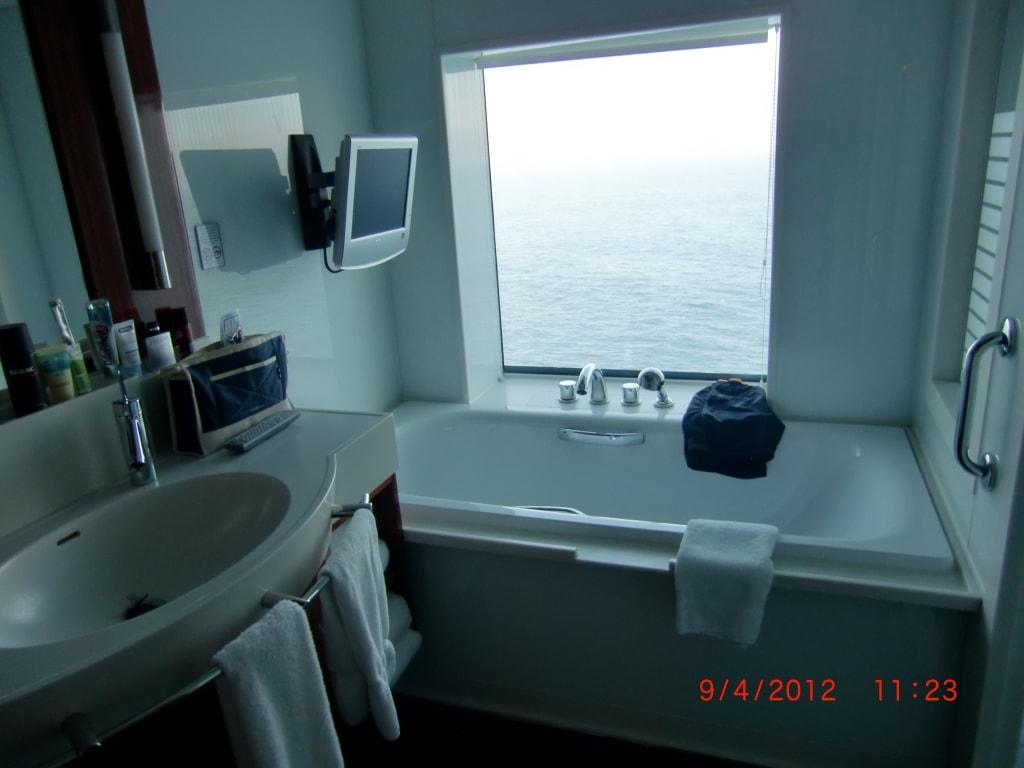 """bild """"badewanne mit tv penthouse"""" zu norwegian jade in, Hause ideen"""