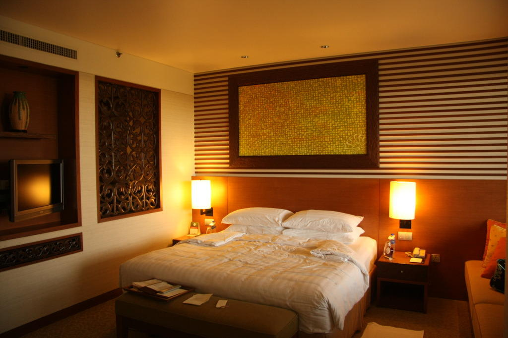 bild das beste bett der welt zu hotel shangri la rasa ria resort in kota kinabalu. Black Bedroom Furniture Sets. Home Design Ideas
