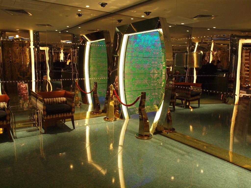 Wartebereich vor Skyview Bar Bilder Sonstige Sehenswürdigkeit Burj Al Arab
