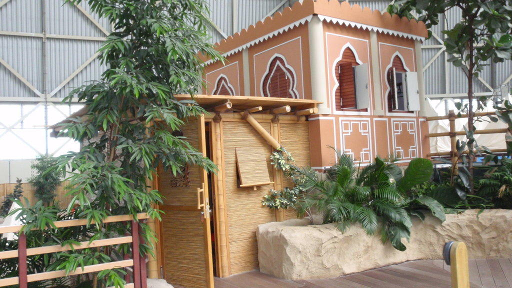 Bild Quot Hundeh 252 Tte Quot Zu Tropical Islands Resort In Krausnick