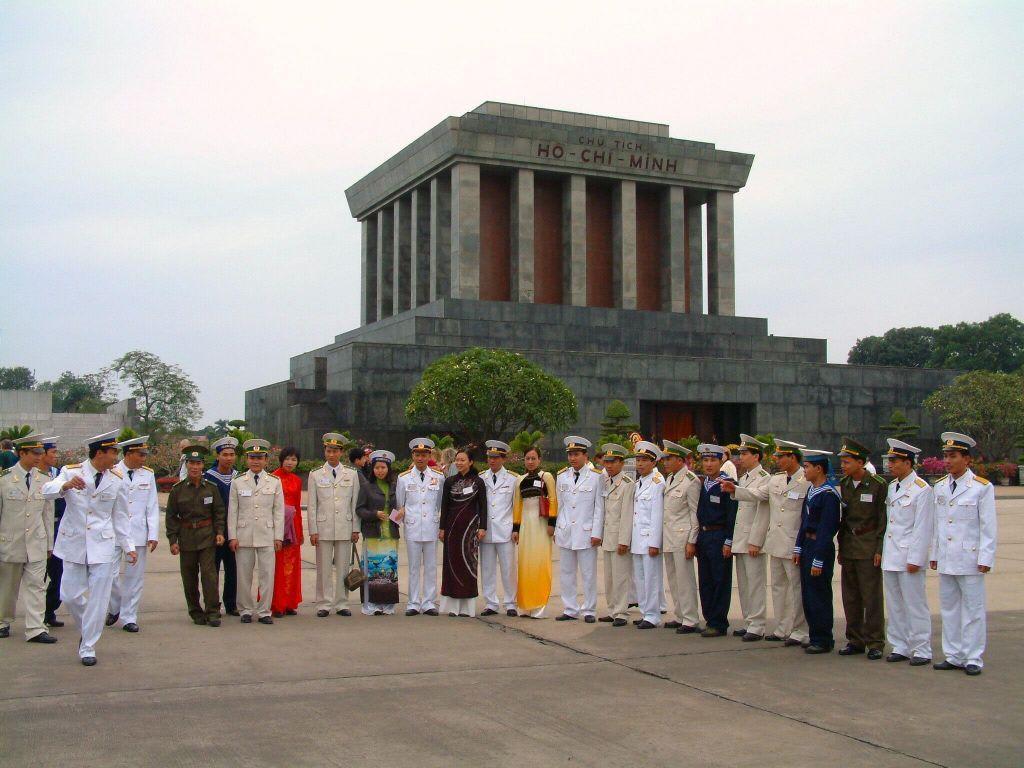 Der neue Wohnsitz von Onkel Ho - Ho Chi Minh-Mausoleum
